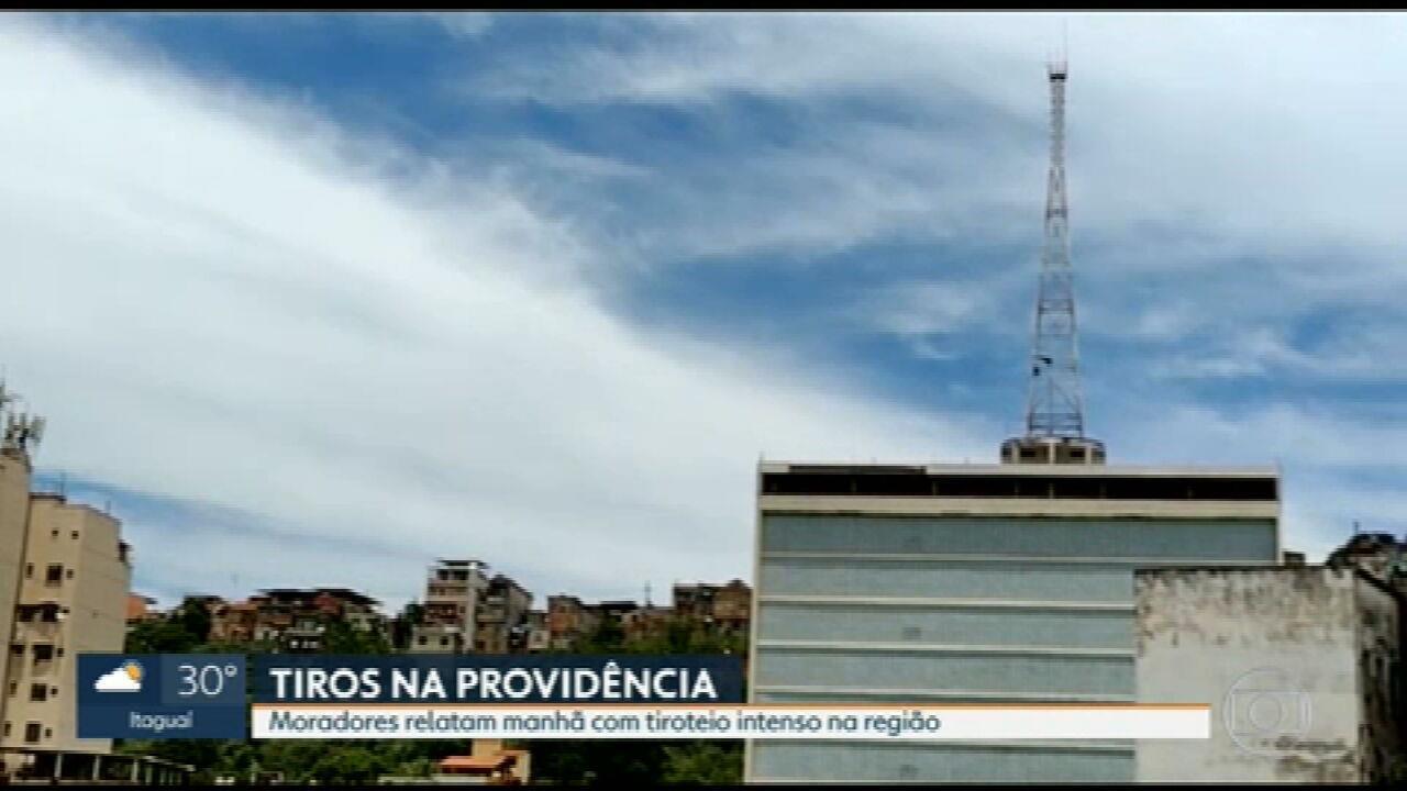Moradores relatam tiroteio intendo no Morro da Providência