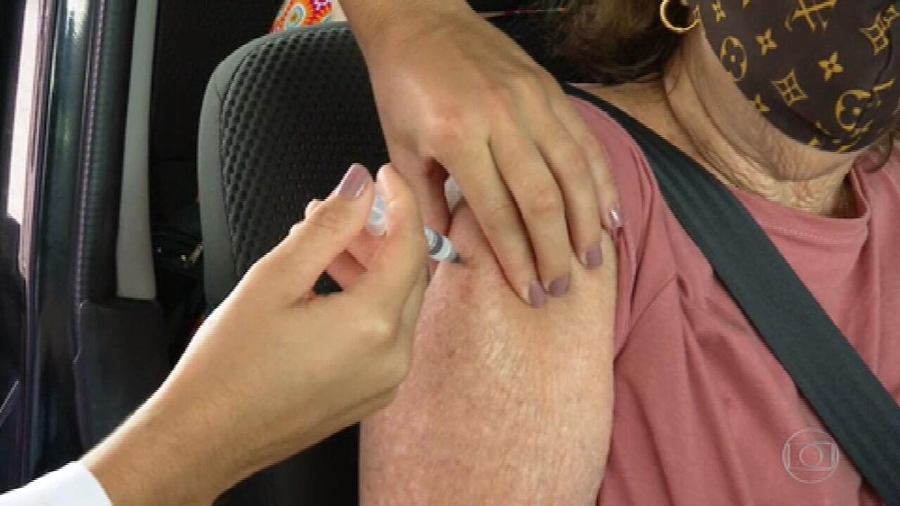 Baixo estoque compromete campanha de vacinação contra coronavírus no Rio de Janeiro e em Curitiba