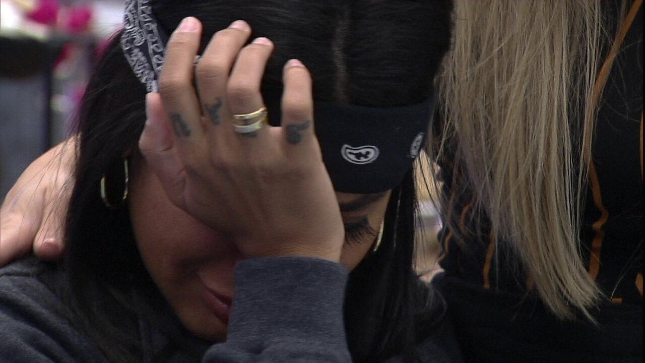 Pocah chora e declara sobre BBB21: 'Me sinto muito só aqui'