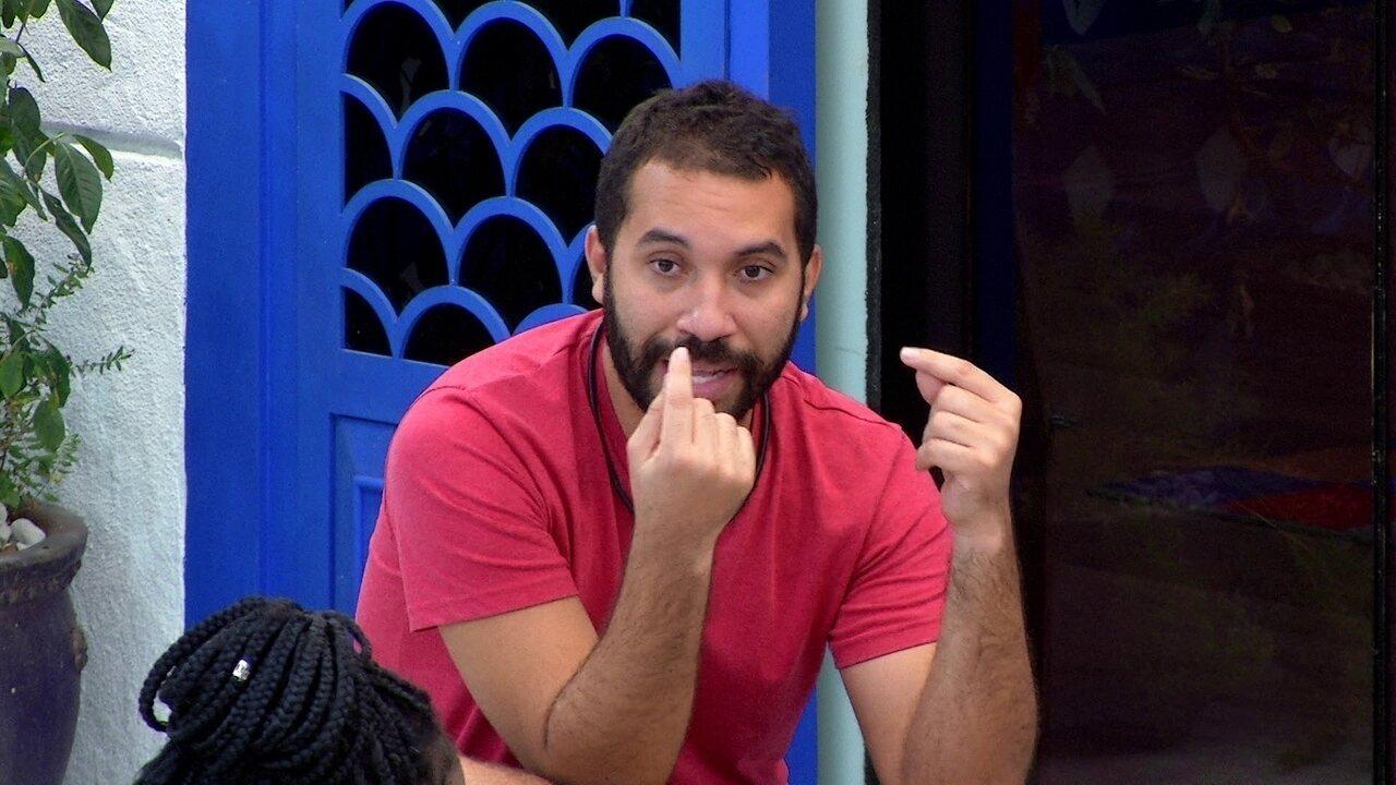 Gilberto relembra briga com Pocah no BBB21: 'Queria parar, mas não conseguia'
