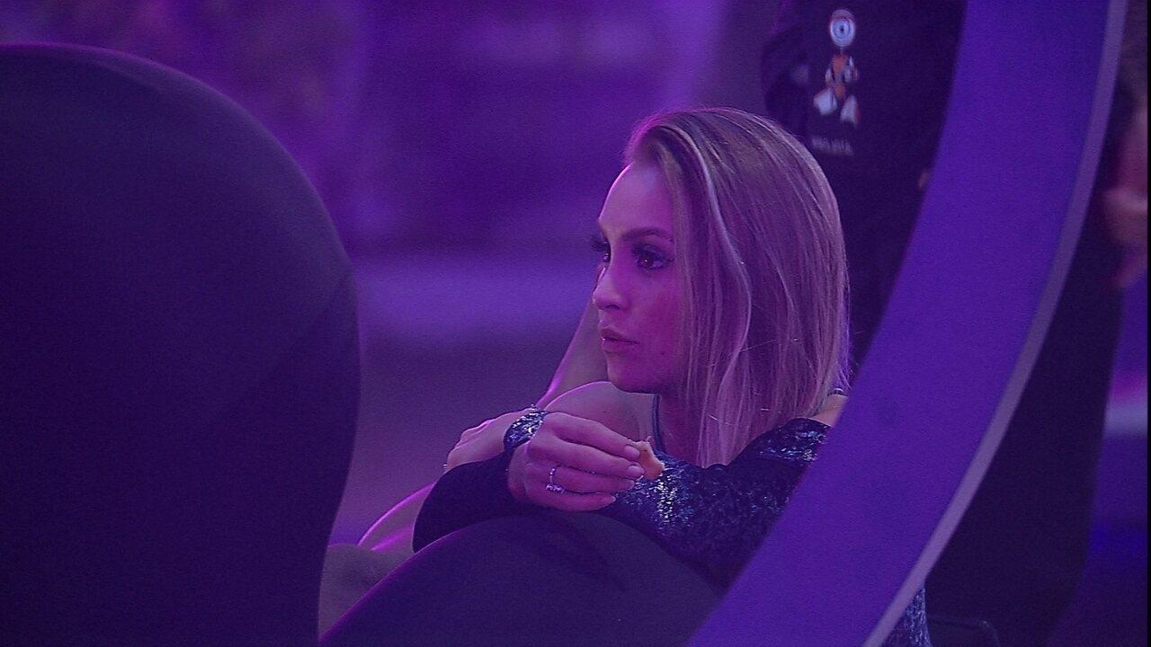 Carla Diaz conta para Camilla de Lucas sobre conversa com brother: 'Ele conseguiu se abrir