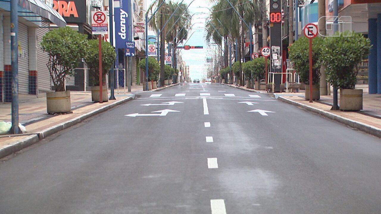Araraquara tem ruas vazias nas primeiras horas de medidas restritas de circulação