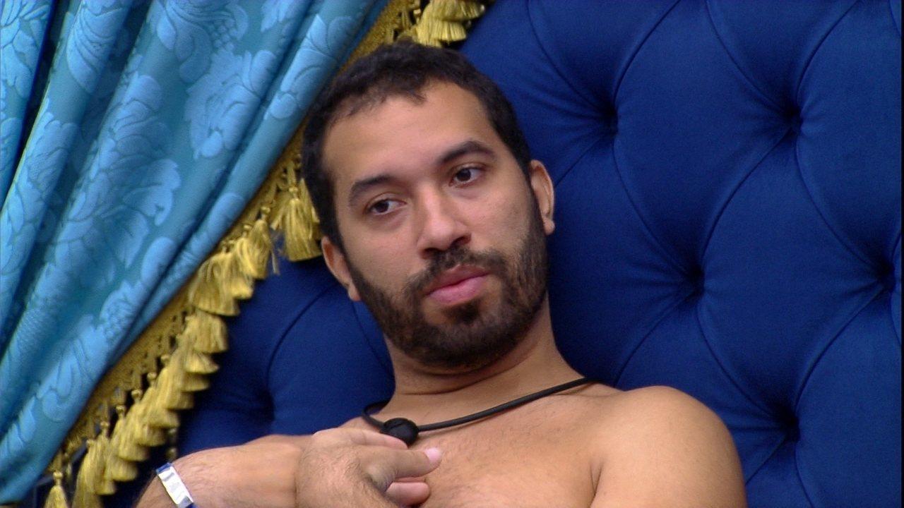 Gilberto diz a sister sobre Formação de Paredão: 'Quem pode ir sou eu, tu não vai não'