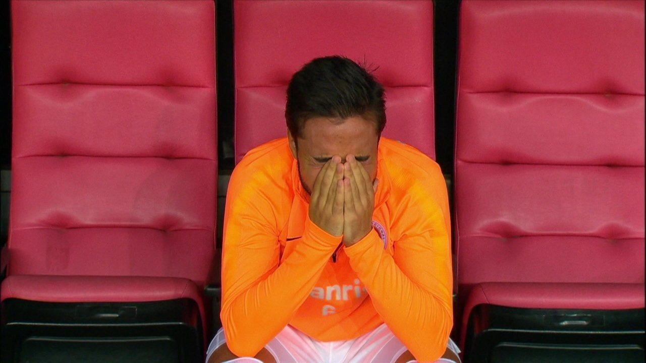 Após derrota na final da Copa do Brasil, Heitor chora no banco do Internacional
