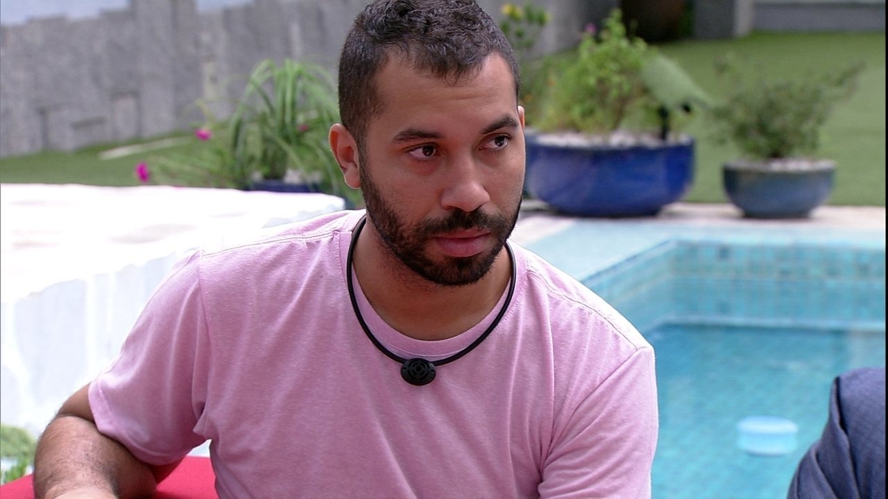 Gilberto reclama sobre desperdício de água: 'Não vou falar nada para não ser o chato'
