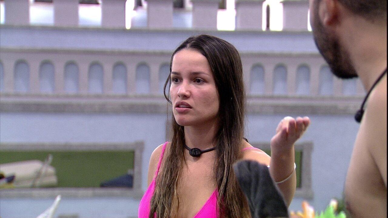 Juliette reclama de comportamento de Gilberto com brother: 'Medroso, apaixonado por Fiuk'