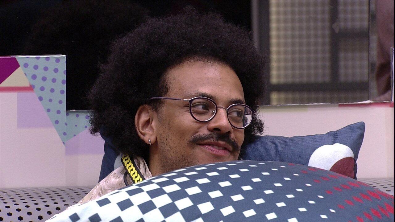 João Luiz conta pra brother emojis recebidos no Queridômetro: ´Todos os corações´