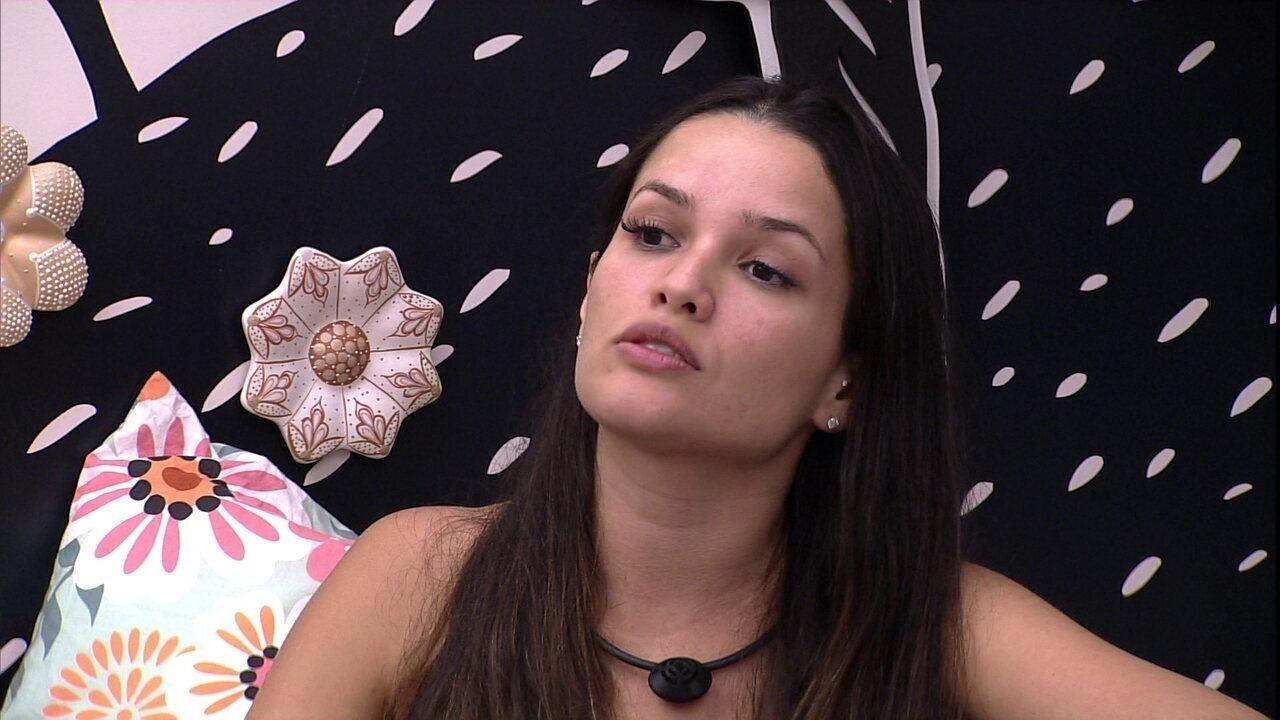 No BBB21, Juliette tem DR com Gilberto: 'Você foi negligente comigo'
