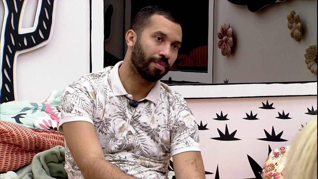Gilberto declara sobre opções de voto no BBB21: 'Carla é minha primeira'