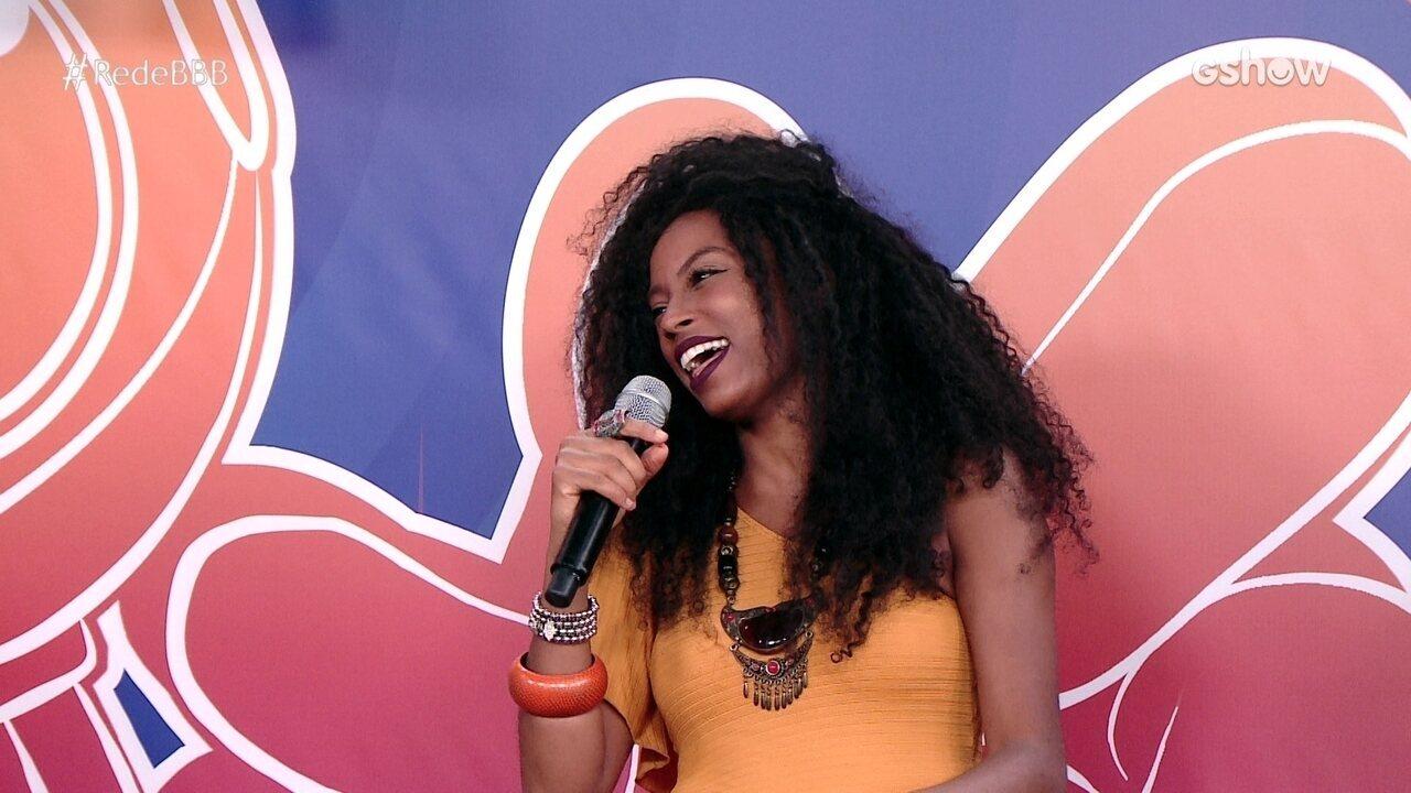 """Na Mesa BBB, Tierry apresenta música em homenagem à Lumena e ela aprova: """"Autorizadíssimo"""""""