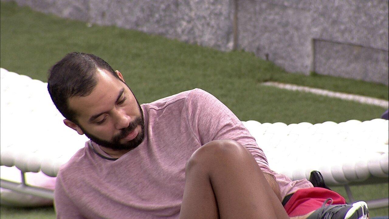 Após conversa com Carla Diaz no BBB21, Gilberto diz a Camilla: 'Me sentindo um monstrão'