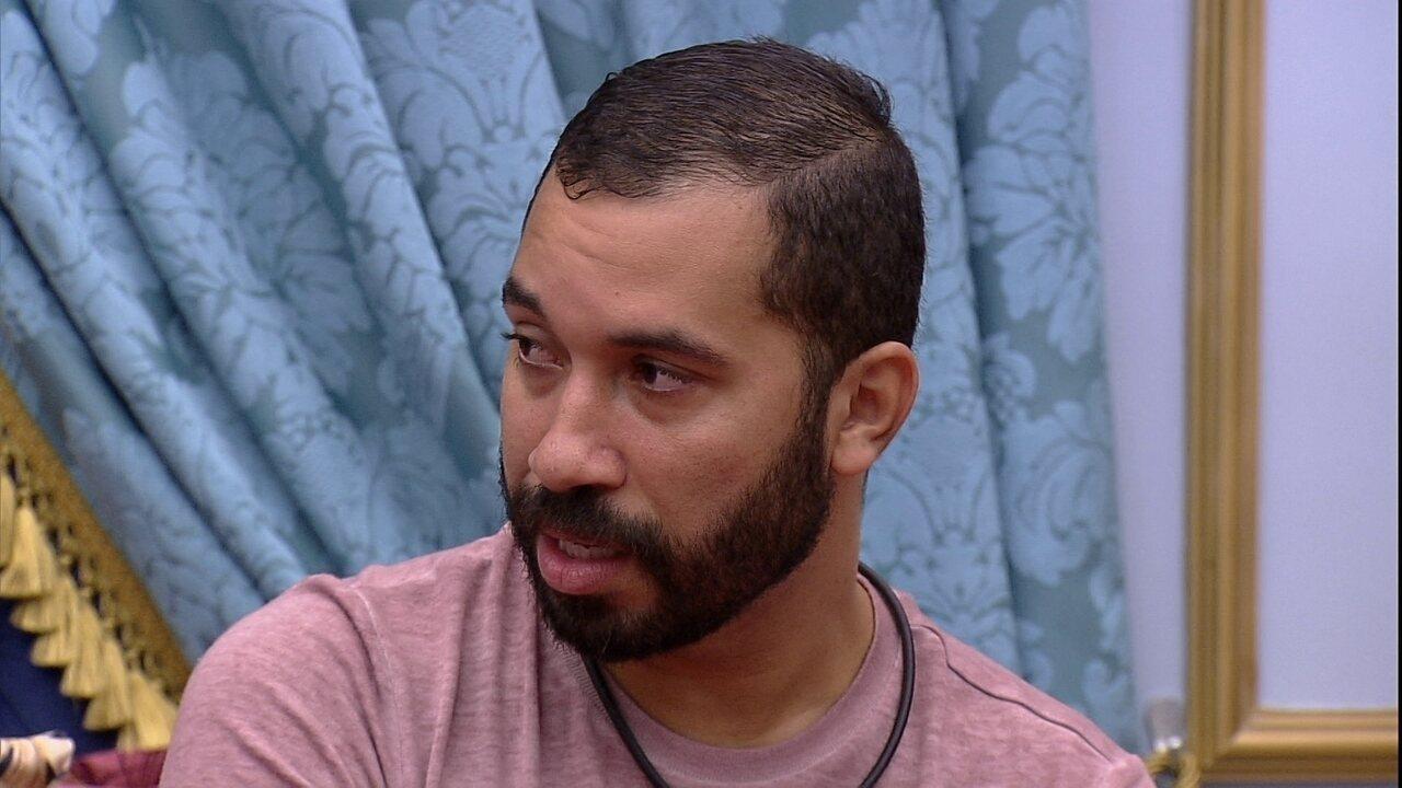 Gilberto comenta sobre desentendimento com Juliette: 'Me arrependo, sim'