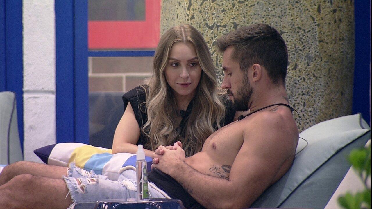 Carla Diaz conversa com Arthur e comenta sobre brothers: 'Uma falsidade atrás da outra'