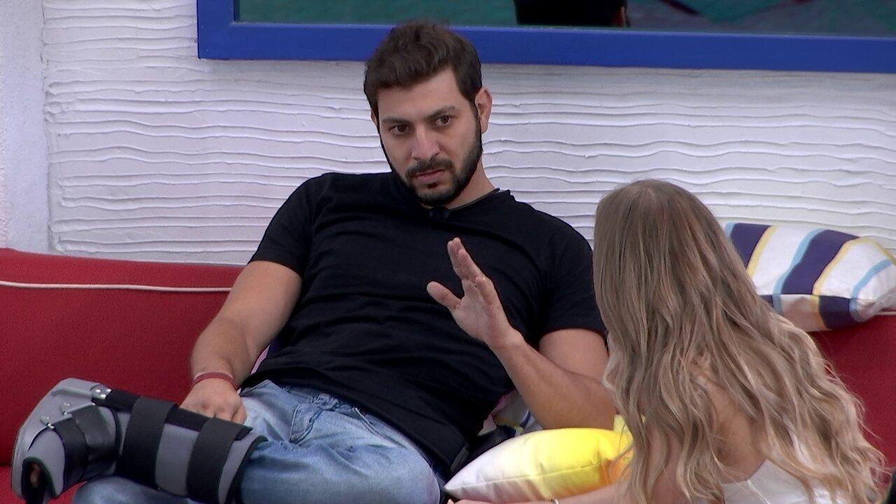 Caio declara sobre Camilla de Lucas no BBB21: 'Não abre espaço para mim'