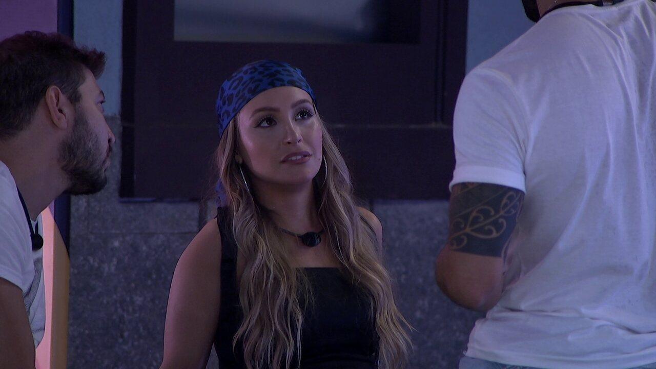 Carla Diaz pergunta a Rodolffo sobre Arthur imunizar Projota e escuta: 'Eu estranhei'