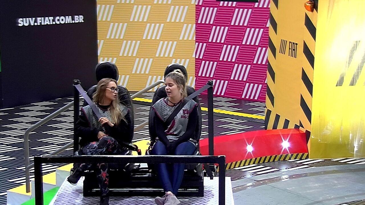 Viih Tube questiona Carla Diaz sobre Arthur: 'Será que ele não quer nada sério?'