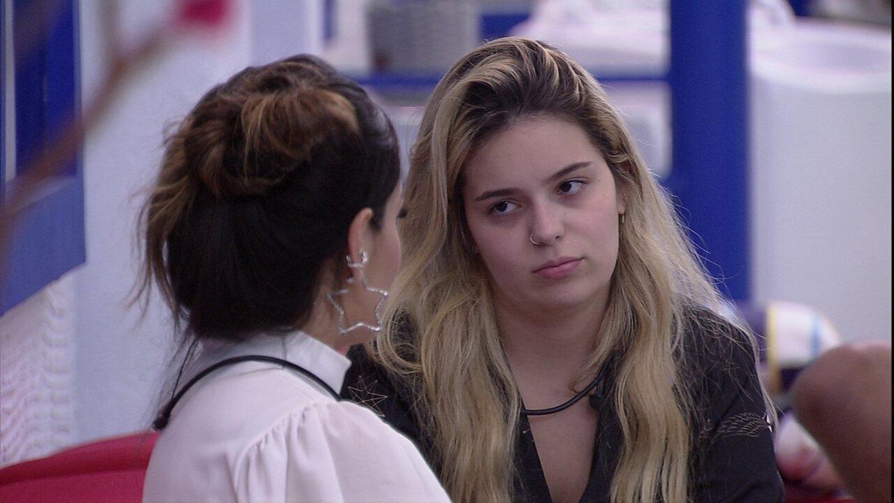 Juliette ouve que Viih Tube está triste e aponta: 'Você não está me interpretando bem'
