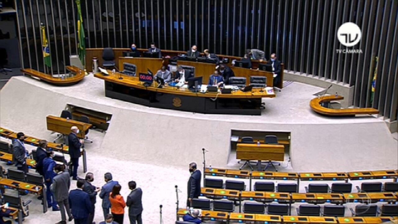 Parlamentares aliados do governo fazem pressão pela saída do chanceler Ernesto Araújo