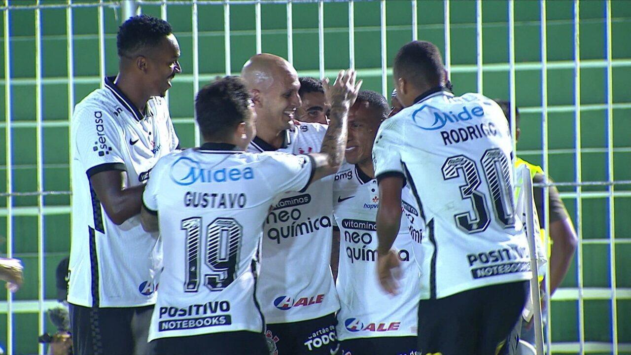 Gol do Corinthians! Otero cobra falta com força e faz, aos 18 do 1ºT
