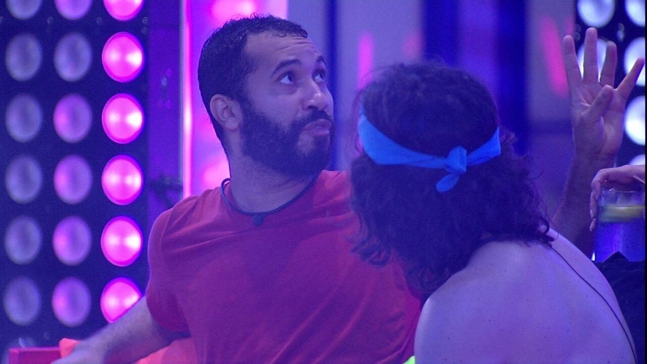 Gilberto especula sobre formação de Paredão do BBB21: 'Vai eu, Fiuk, Caio e Juliette'