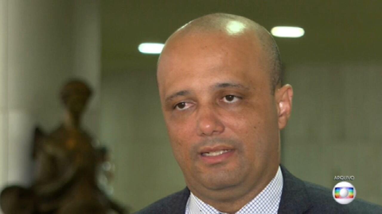 Deputados barram tentativa de aliado do governo de ampliar poderes de Bolsonaro na pandemia