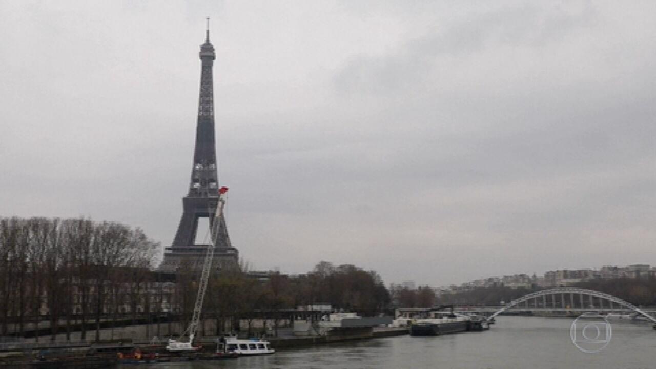 França fecha escolas por 3 semanas e terá novo toque de recolher