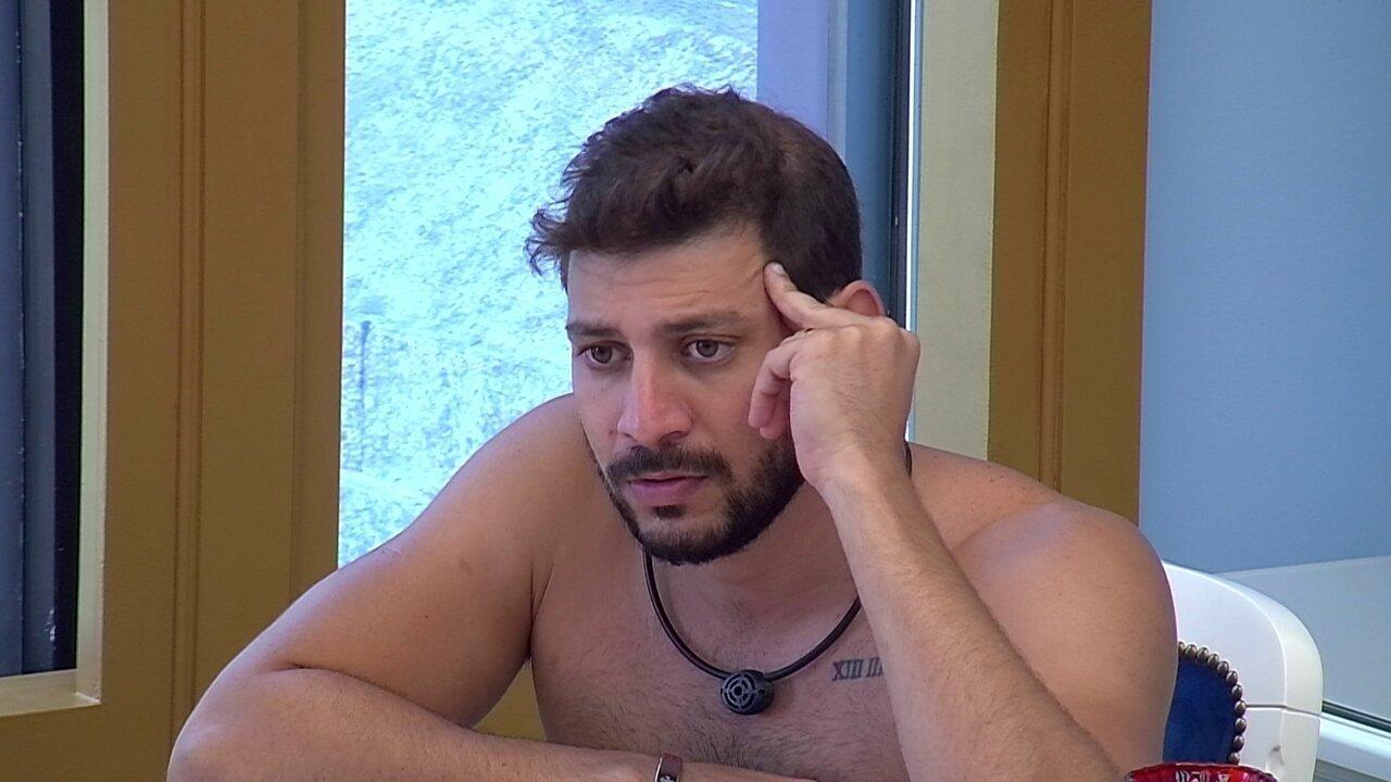 Caio dispara sobre votos no BBB21: 'Não dou satisfação nem para o Rodolffo'