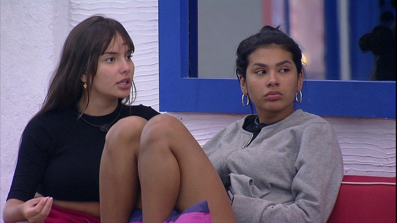 Após ouvir conselho de Camilla de Lucas, Thaís afirma sobre Juliette no BBB21: 'Drama'