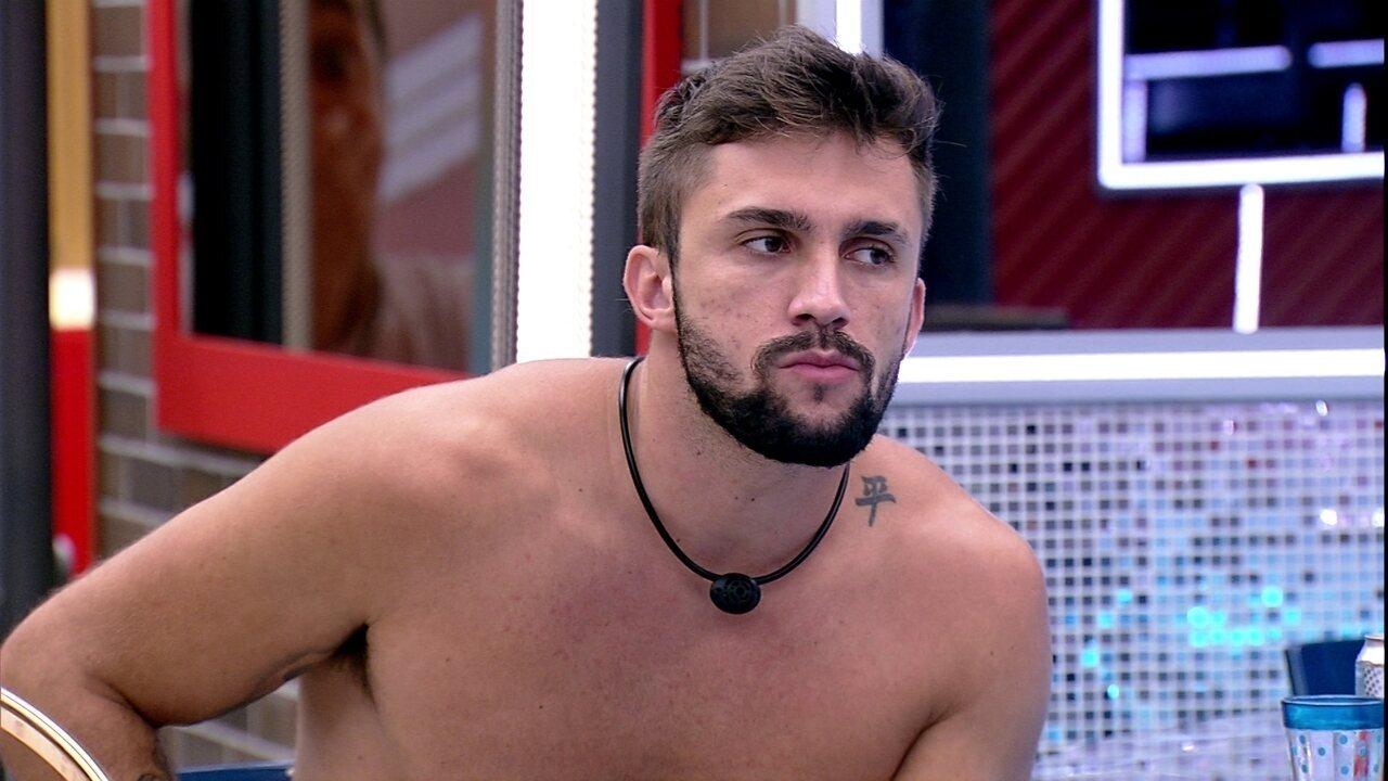 Arthur diz quem votaria em Gilberto no BBB21: 'Juliette, talvez Fiuk, Camilla e João'