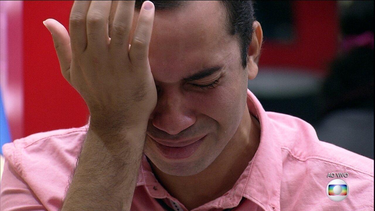 Líder Viih Tube indica Gilberto ao décimo Paredão do BBB21