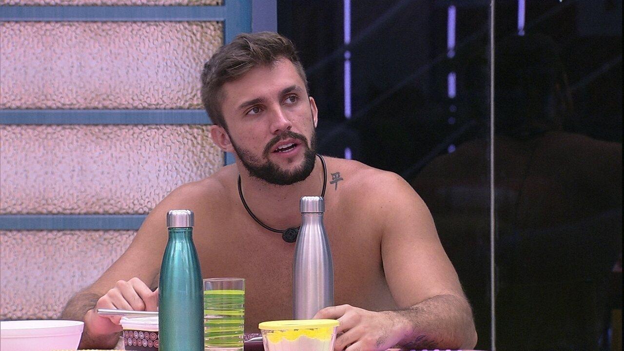 Arthur avalia sua situação no BBB21: 'Única forma de eu não ir para o Paredão, é ganhando