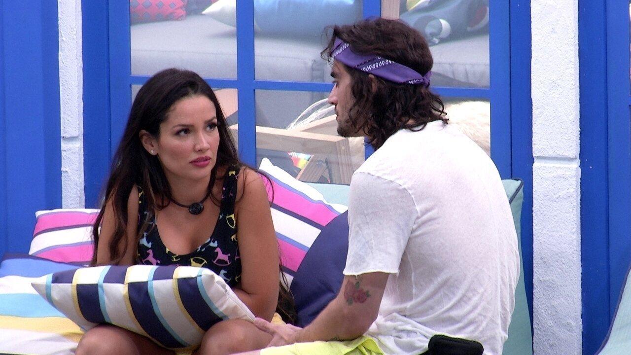Fiuk pergunta a Juliette quais são as prioridades dela no BBB21
