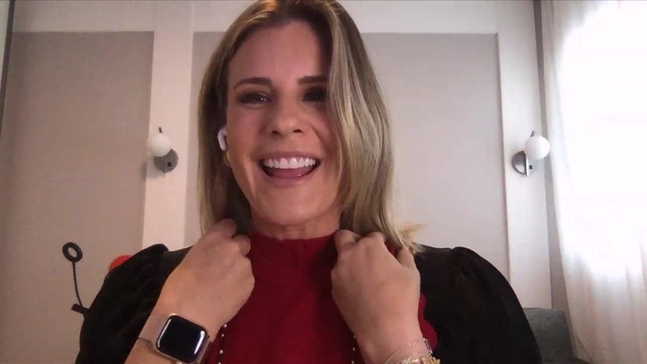 Janaína Xavier anuncia que está grávida