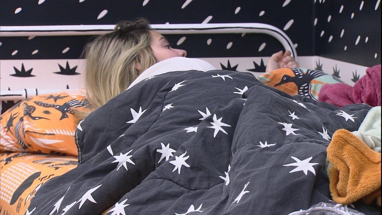 Viih Tube brinca com Juliette após sister dormir com Fiuk: 'Dois safados. Talarica'
