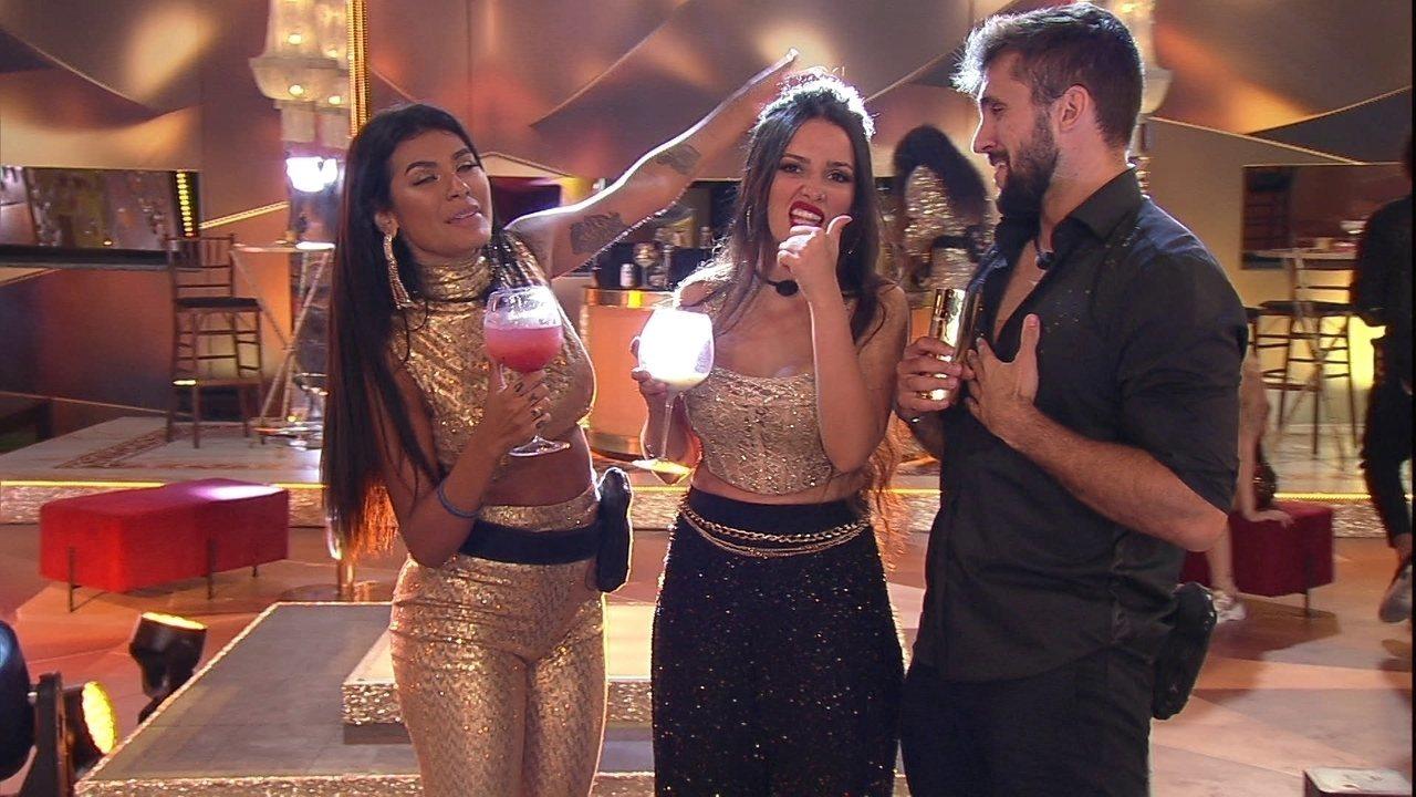 No BBB21, Juliette e Arthur cantam juntos e sister brinca: 'Perdoa, Carla Diaz'