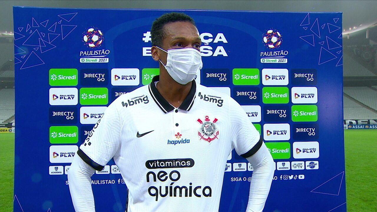 """Autor do segundo gol, Jô avalia: """"Fizemos mais uma boa partida"""""""