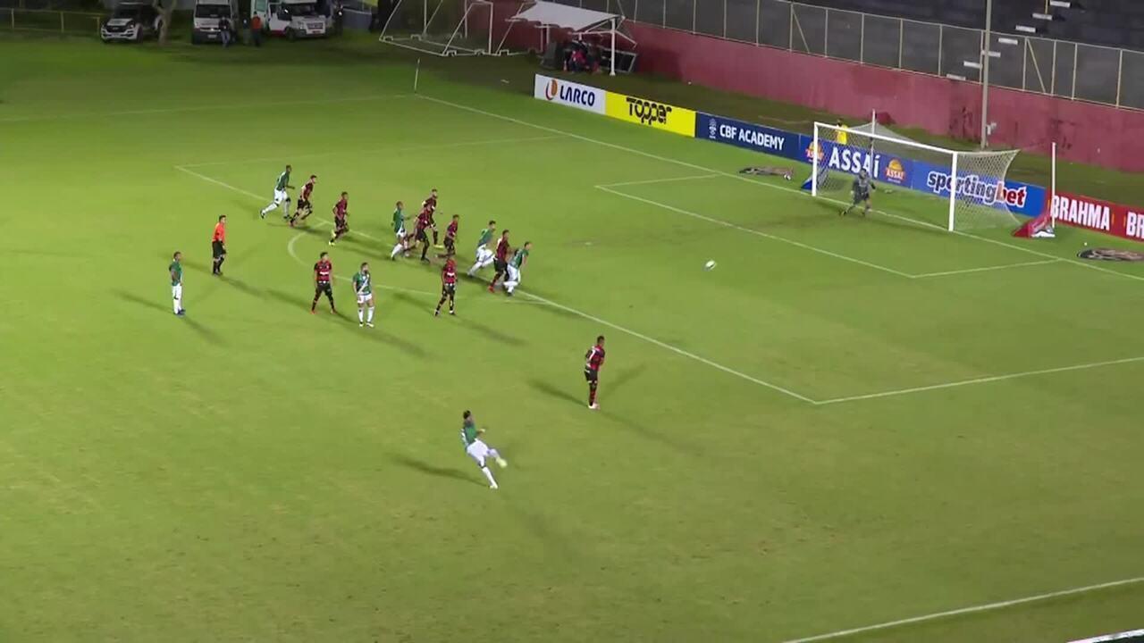 O último jogo: Tonet se despede após eliminação para o Vitória na Copa do Nordeste; veja os lances do 2 a 1