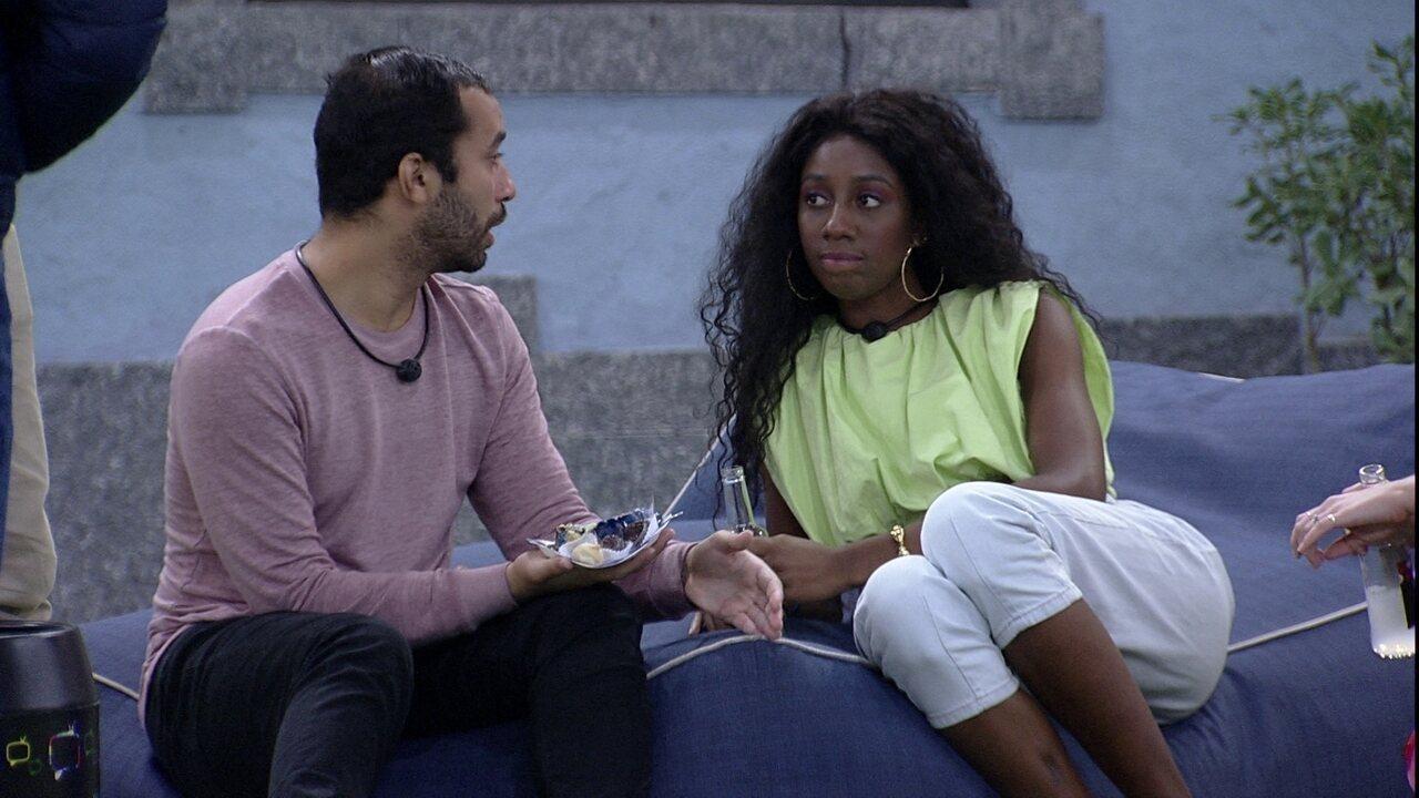 Gilberto aconselha Camilla de Lucas no BBB21: 'O que que tu tem que fazer? Jogar'
