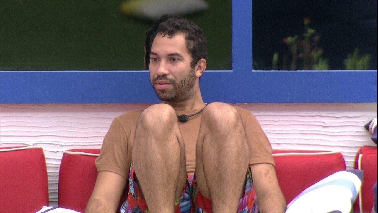 Sozinho, Gilberto reflete sobre Paredão: 'Não consigo sentir nada, estou tranquilo´