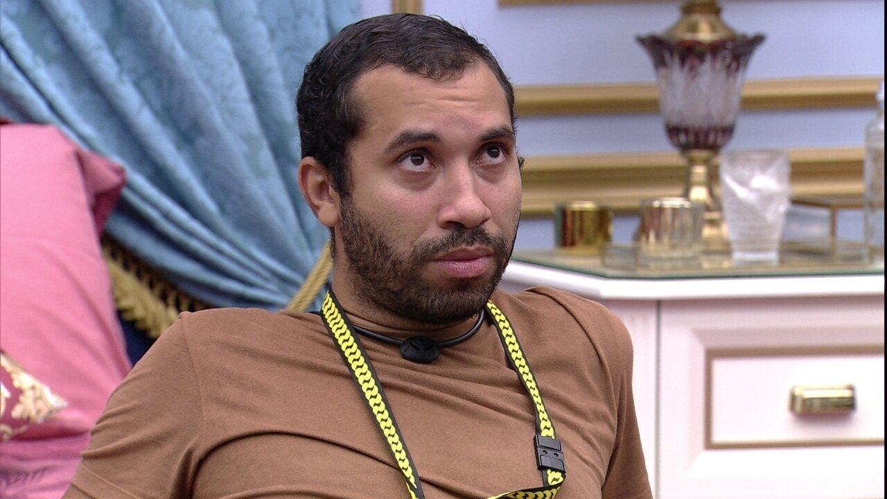 Gilberto garante a Fiuk no BBB21: 'Única pessoa que eu vou tentar salvar realmente é você'