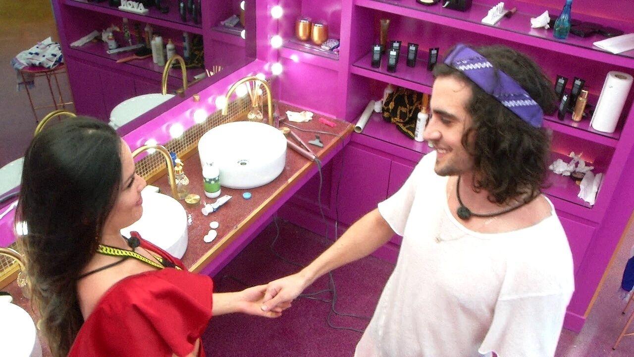 No BBB21, Juliette chama Fiuk de mimado e ele responde: 'Vai dizer que não é bom?'