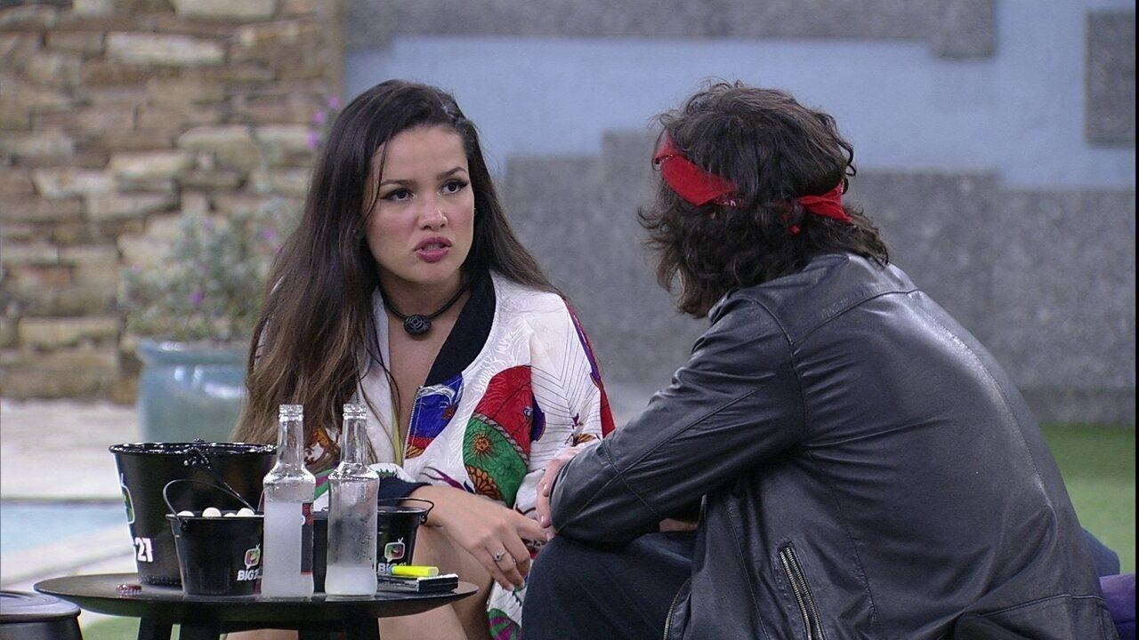 Juliette relembra situação com Caio: 'No lugar da Sarah ajudar, ela botou mais fogo'