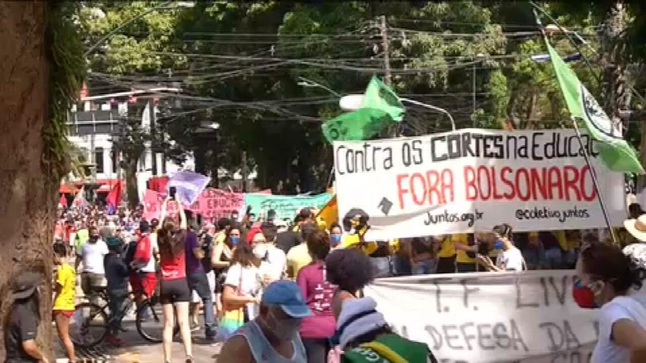 Cidades registram manifestações contra Bolsonaro
