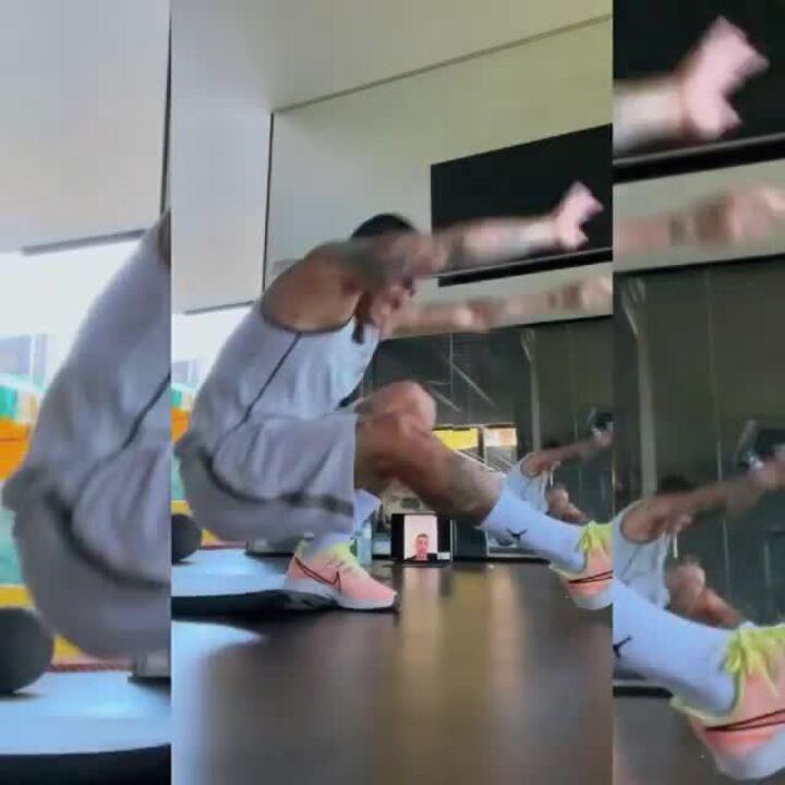 Dudu treina sob orientação de preparador físico do Palmeiras
