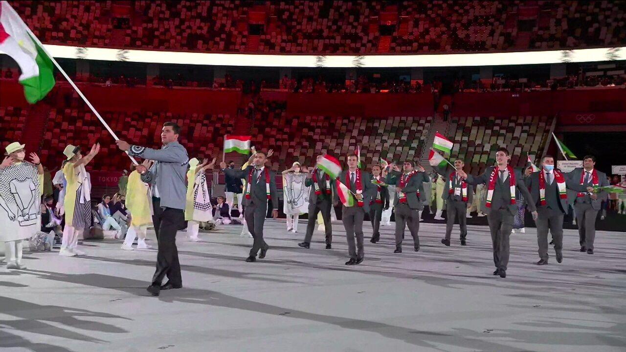 Delegação do Tajiquistão entra sem máscaras na cerimônia de abertura das Olimpíadas
