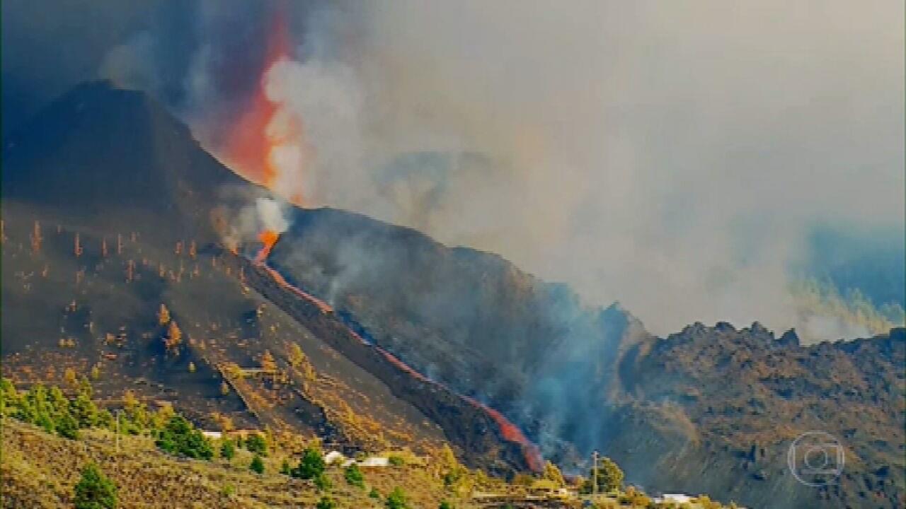 Atividade de vulcão força fechamento de aeroporto na ilha de La Palma, Espanha